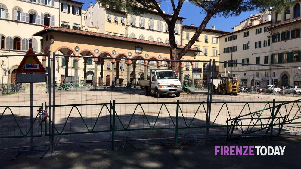 Piazza dei ciompi spaccio davanti al commissariato arrestato for Piazza dei ciompi