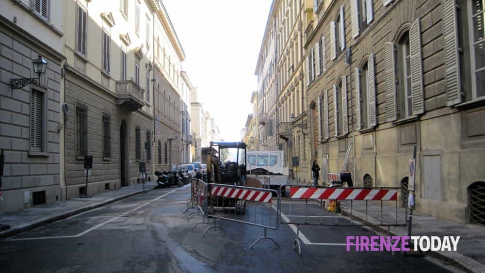Corso italia appena riasfaltata subito nuovi lavori for Corso arredatore d interni roma