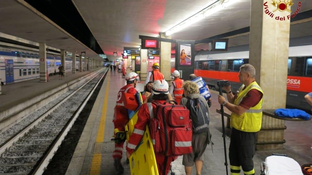 Santa Maria Novella Incendio Su Un Treno Maxi