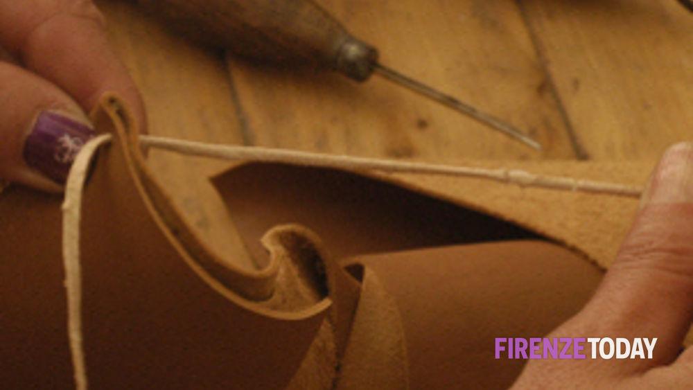 Banchi Da Lavoro Per Pelletteria : Empoli corso di modellista a mano borse e pelletteria