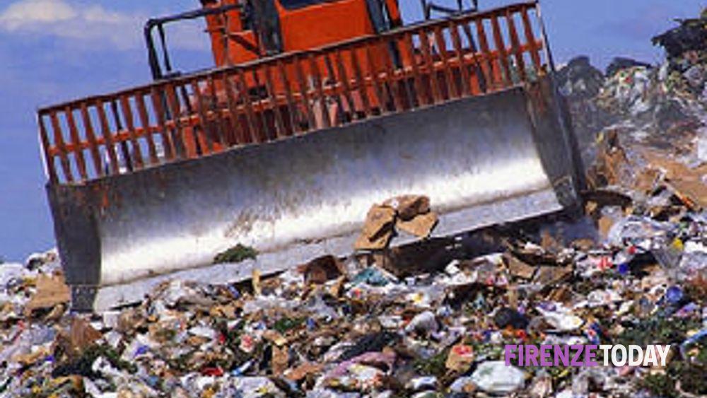 Toscana aumenta la tassa per il conferimento dei rifiuti for Conferimento rifiuti