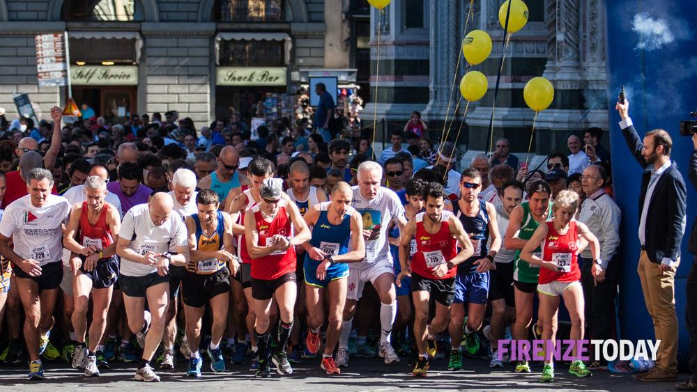 Gs Le Panche Castelquarto.Guarda Firenze 2015 In 3mila Di Corsa Per Vie Del Centro Storico Foto