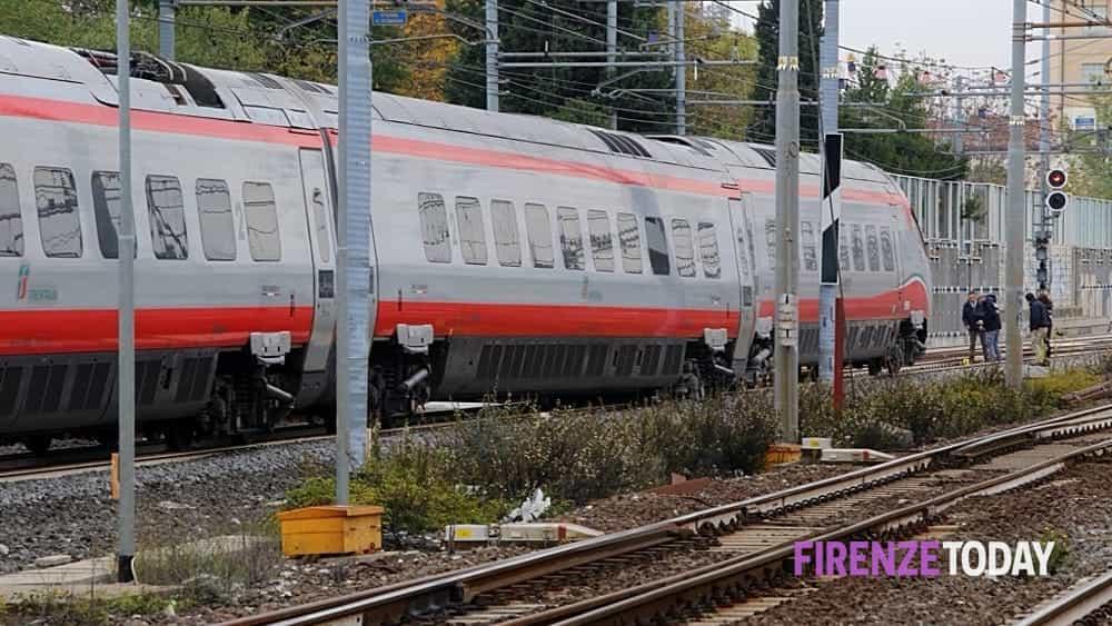 Incidente Sull 39 Alta Velocit Carrello Del Treno Esce Dai