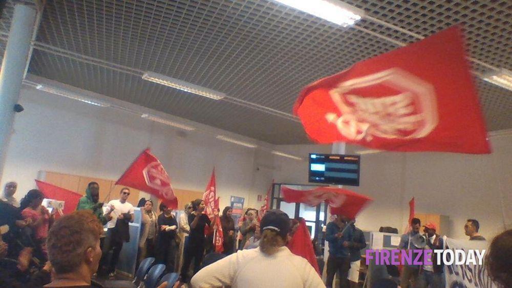 La Protesta Nell 39 Ufficio Anagrafe Fonte Twitter