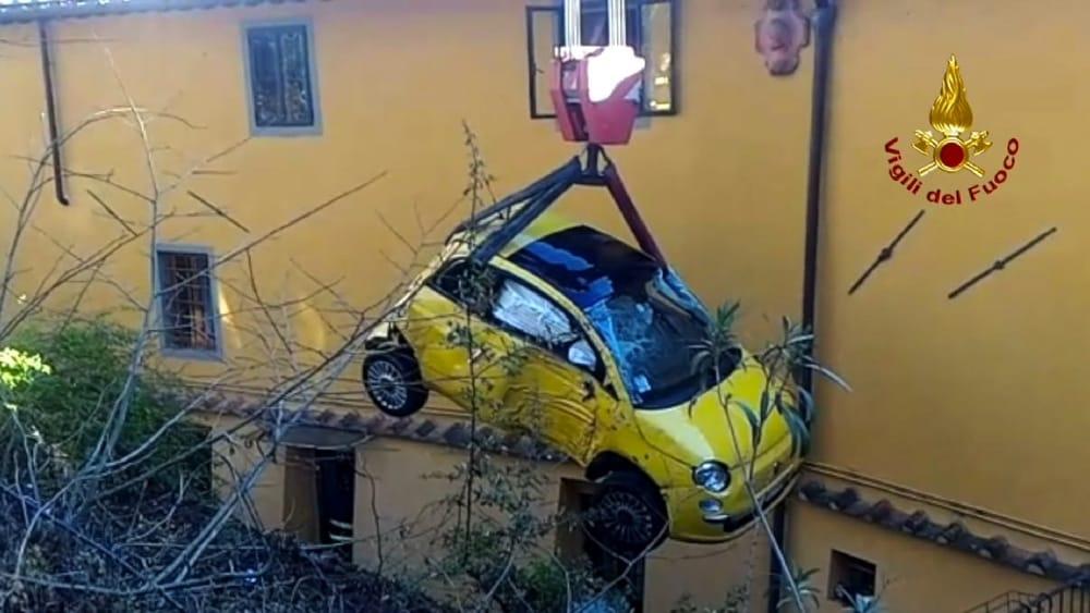 Bagno a Ripoli, incidente in via Chiantigiana: auto fuori strada ...