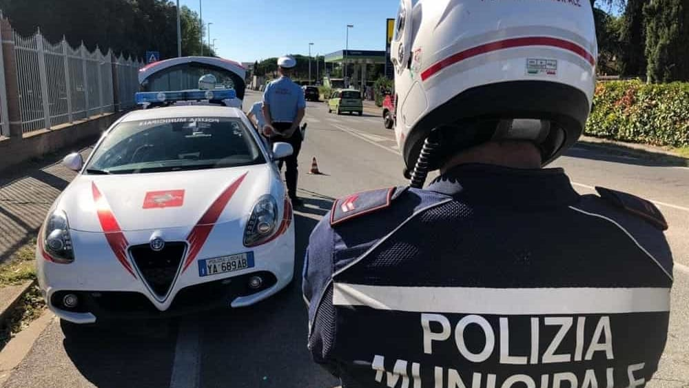 Decreto sicurezza la sinistra contro nardella sul taser for Bagno a ripoli polizia municipale